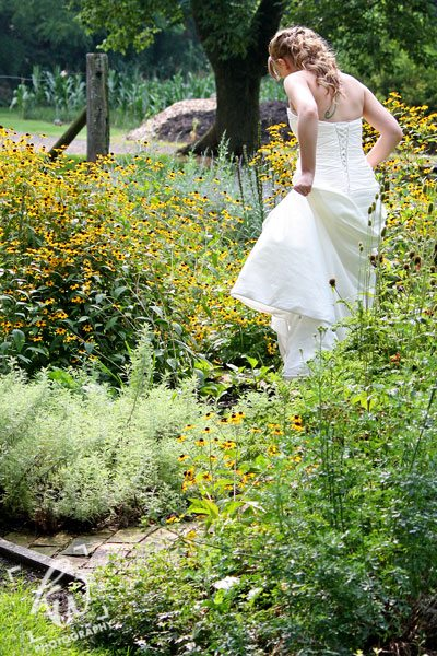 Bridal photography session at PA winery.